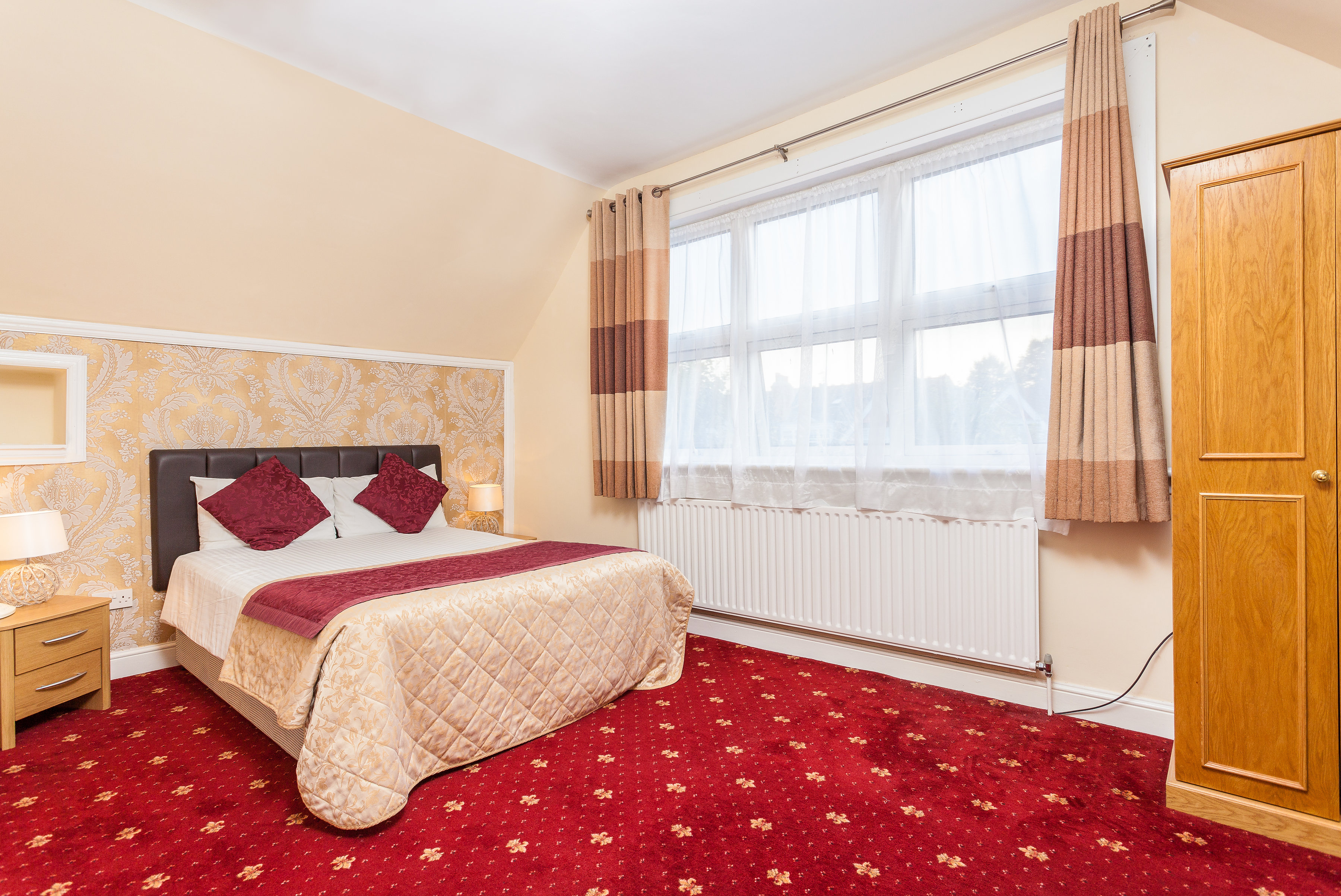 double bedroom hotel in alexandra palace
